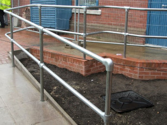 10 Simple Handrails Constructed With Tube Clamps