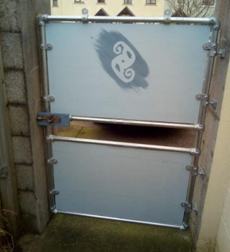 DIY Steel Gate Built with Kee Klamp Fittings