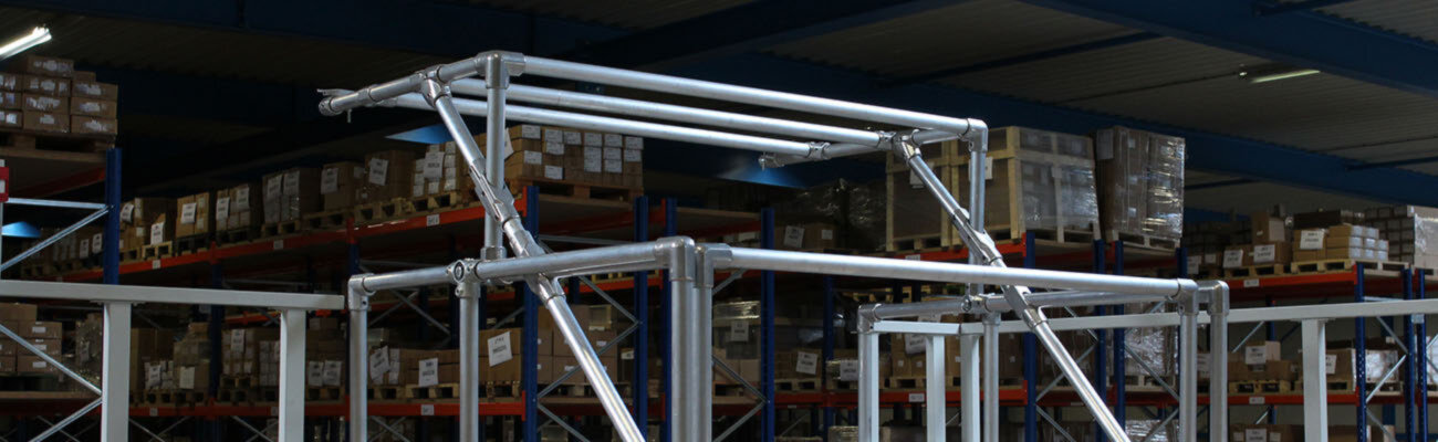 pallet gate for mezzanine