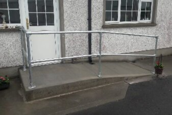 Handrail Fittings For Ramps