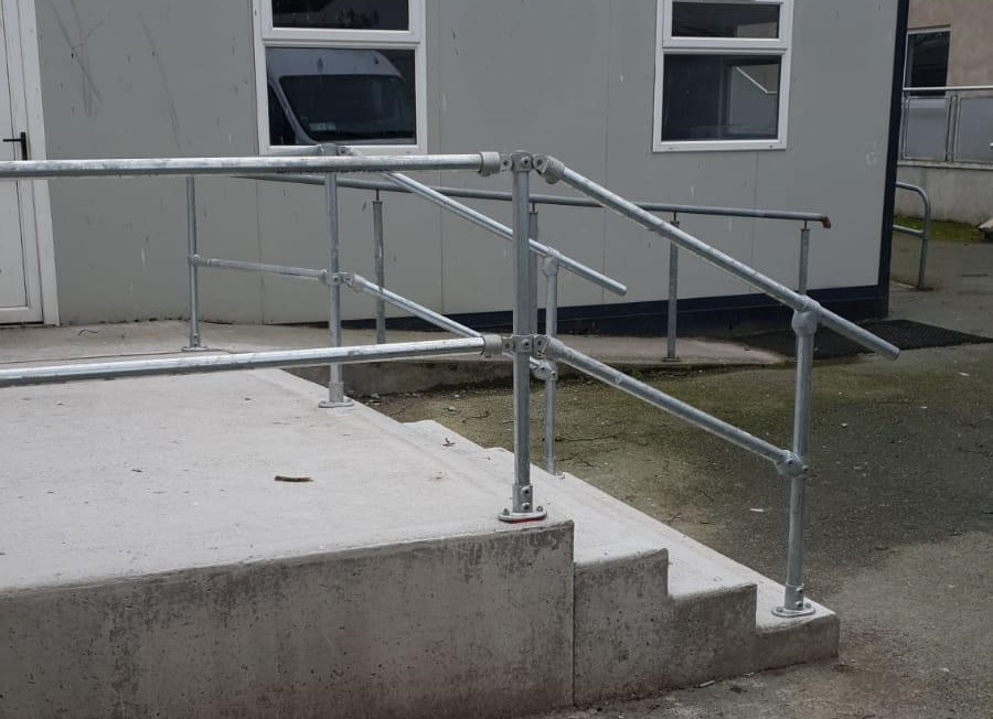 external handrail for steps